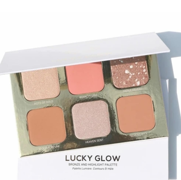 True + Luscious Lucky Glow palette